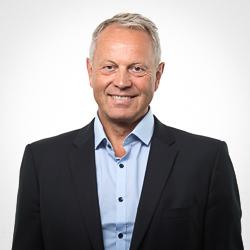 Advokat Sven J. Stray